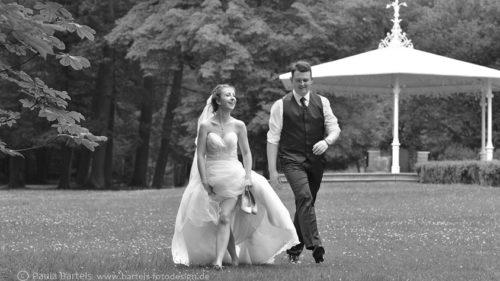 Hochzeitsfotos lebendig natürlich